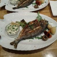 Das Foto wurde bei Öz Fish House von Jakob C. am 3/26/2013 aufgenommen