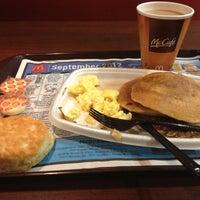 Photo taken at McDonald's by Ibrahim H. on 9/26/2012