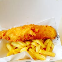 Photo taken at Great British Fish & Chips by Aylin O. on 2/6/2014