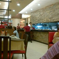 Photo taken at Pizza Hut by Gen A. on 7/2/2013