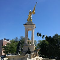 Photo taken at Francis Scott Key Monument by Leslie T. on 9/25/2016