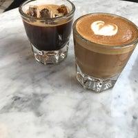 6/18/2017 tarihinde Mimi K.ziyaretçi tarafından Variety Coffee Roasters'de çekilen fotoğraf