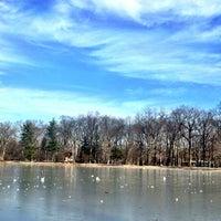 รูปภาพถ่ายที่ Saddle River County Park - Wild Duck Pond โดย Tiniku🌸 เมื่อ 1/5/2013