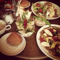12/9/2012にDebbieがCafé Maingoldで撮った写真