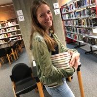 Photo taken at Bibliotheek by Melanie V. on 4/12/2018
