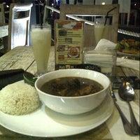 Das Foto wurde bei Goodys Cafe & Cucina von Intan P. am 7/26/2013 aufgenommen