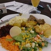Photo taken at Restaurante Degust by Willian S. on 5/21/2014