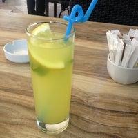 5/24/2013 tarihinde Yasemin Ö.ziyaretçi tarafından LimonH₂O Cafe Bistro'de çekilen fotoğraf