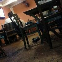 Foto tirada no(a) Choperia Clube De Tenis Catanduva por Livia N. em 10/5/2012