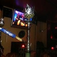 Foto diambil di Cozy Cafe Hookah Lounge oleh Xiomara R. pada 9/30/2012