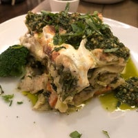 Снимок сделан в Divya's Kitchen пользователем Iona L. 6/9/2018