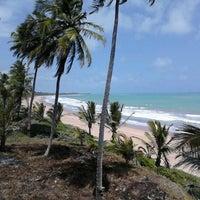 Foto tirada no(a) Praia Mirante da Sereia por Leonardo V. em 1/4/2013