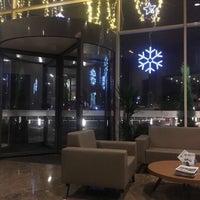Photo taken at Hilton Garden Inn Istanbul Atatürk Airport by K. &. on 10/3/2018