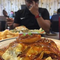 Photo taken at Hotmas Restaurant by Sabiq H. on 1/24/2017