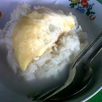 Photo taken at Durian Stall by hari ni Hari aku Esk Lusa hari Kau™ on 10/19/2012