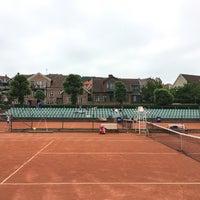 Foto tirada no(a) Båstad Tennis Stadium por Ian M. em 6/19/2017