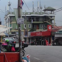 Photo taken at Man Bakso by Alf F. on 1/16/2016