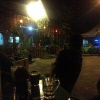 Photo taken at Kedai Mek (YINAVIN Seafood) by Abdul Alim A. on 11/14/2012