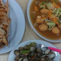 Photo taken at RM. Seafood - Iwake by Tabita P. on 1/26/2013