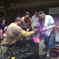9/30/2012 tarihinde laurie b.ziyaretçi tarafından Public Glass'de çekilen fotoğraf