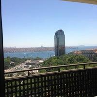 6/22/2013 tarihinde Selen U.ziyaretçi tarafından Hilton Istanbul Executive Lounge'de çekilen fotoğraf