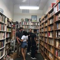 8/31/2017 tarihinde Shivani S.ziyaretçi tarafından Idle Time Books'de çekilen fotoğraf