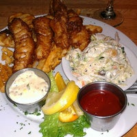 Photo taken at Oak Creek Brewery And Grill by John B. on 5/15/2013