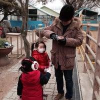 Photo taken at 딸기가 좋아 - 딸기 스페이스 by Seongho K. on 2/8/2014
