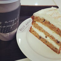 Photo taken at BILLY ANGEL CAKE CO. by 밴유 on 10/5/2015