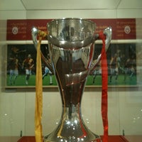9/27/2012 tarihinde Cenk Yusuf U.ziyaretçi tarafından Galatasaray Müzesi'de çekilen fotoğraf