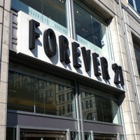 Photo taken at Forever 21 by Flavia S. on 9/14/2012