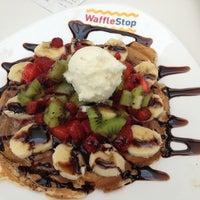 Снимок сделан в WaffleStop пользователем Rena Akkuş 6/3/2013