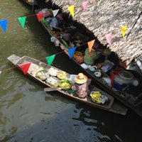 Photo taken at Klong Lat Mayom Floating Market by Phung K. on 10/20/2012
