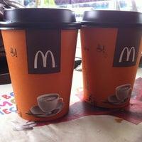 Foto tirada no(a) McDonald's por Tatiana L. em 2/25/2013