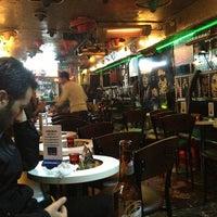 3/6/2013 tarihinde Özcan B.ziyaretçi tarafından Fotoğraf Cafe & Bar'de çekilen fotoğraf