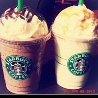 4/25/2013 tarihinde Selen S.ziyaretçi tarafından Starbucks'de çekilen fotoğraf