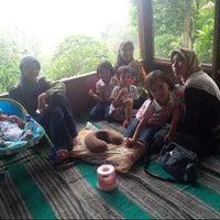 Photo taken at Saung Maranggi by Martha Widdi N. on 10/13/2013