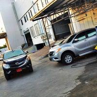 Photo taken at Mazda SimeDarby Srinakarin by คาร์แลค รัตนาธิเบศร์ on 6/1/2013
