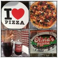 9/19/2012 tarihinde Merve B.ziyaretçi tarafından Olivia's Pizzeria'de çekilen fotoğraf