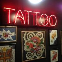 1/26/2013 tarihinde Özkan T.ziyaretçi tarafından Hakan Gerçek Tattoo Studio'de çekilen fotoğraf