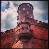 Foto tirada no(a) Zamek Królewski na Wawelu por Magda W. em 6/23/2013