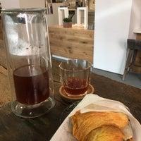 Das Foto wurde bei Coffee Project NY von Michael R. am 10/18/2018 aufgenommen