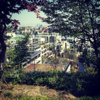 Photo taken at Bam's Walk Around The Hill by Minji S. on 5/5/2013