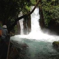 Foto diambil di Banias Waterfall oleh Emi A. pada 5/16/2013