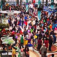 6/1/2013 tarihinde Даурен А.ziyaretçi tarafından Керуен / Keruen Mall'de çekilen fotoğraf