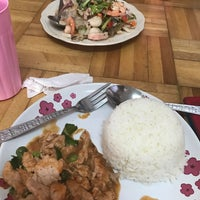 Photo taken at Kafe อาหารตามสั่ง by NTk. 🍁 on 1/21/2017