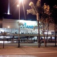 Foto tirada no(a) Supercenter Angeloni por Valdir C. em 7/29/2013