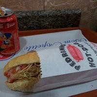 Foto tirada no(a) Pedrinho Hot Dog por Marcelo A. em 10/16/2012