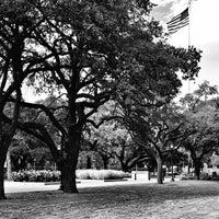 Das Foto wurde bei Military Walk von Fernando G. am 9/8/2013 aufgenommen