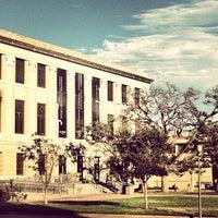 Foto tirada no(a) Cushing Memorial Library and Archives por Fernando G. em 9/13/2013